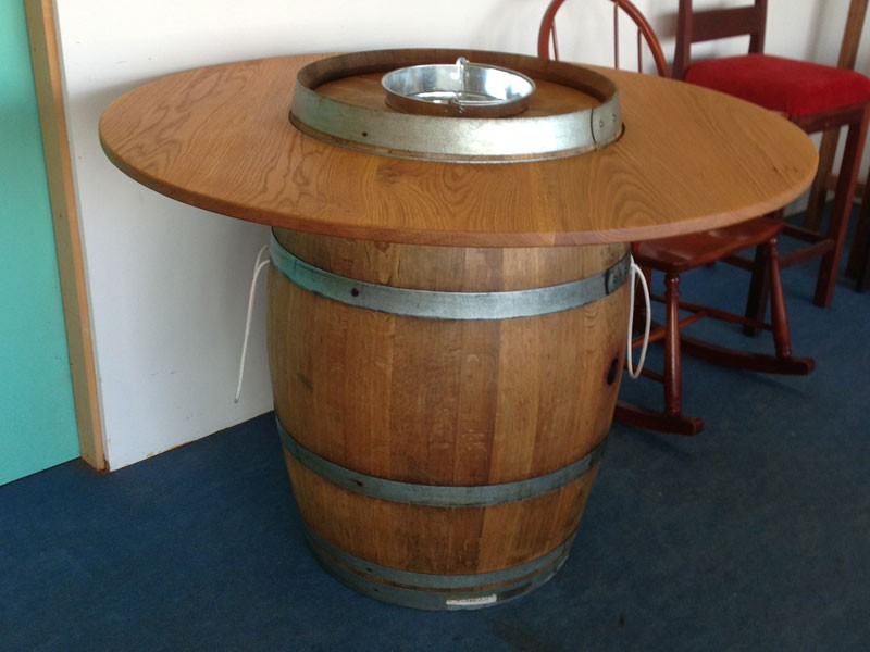 ab21Wine-Barrel-table-made-with-American-White-oak-white-oak-barrel-and-ice-bucket