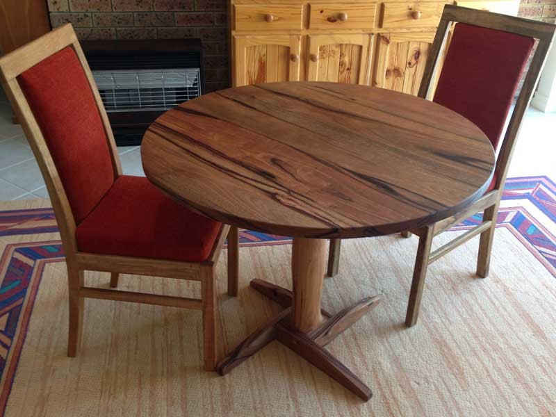 m0-03-Marri-dining-table-and-chairs